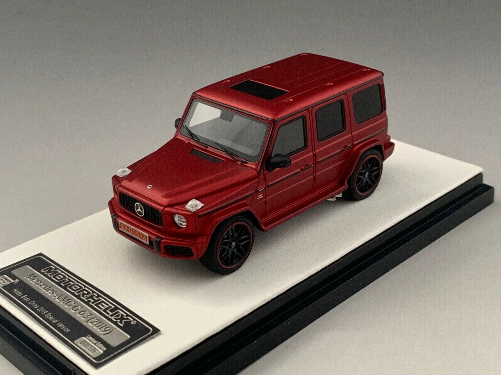 1 64 Motorhelix Mercedes Benz AMG G63 from 2019 in Matte rosso