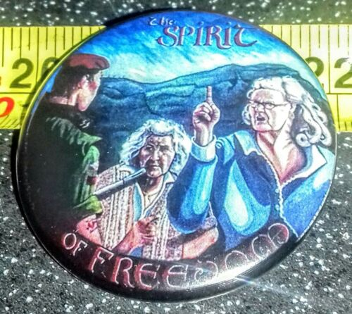 IRISH REPUBLICAN TIN BADGE THE SPIRIT OF FREEDOM BELFAST WALL MURAL SINN FEIN .
