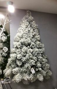 albero di natale innevato glaciale a meta' da parete appendere