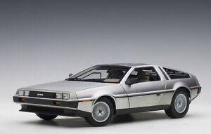 AUTOart-79916-1-18-Millennium-Delorean-DMC-12-Satin-Finition-1981-Neuf