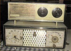 Lot-2-Vintage-Zenith-Table-Desk-Top-Alarm-Clock-Radios-Telechron-Bakelite-C520-V