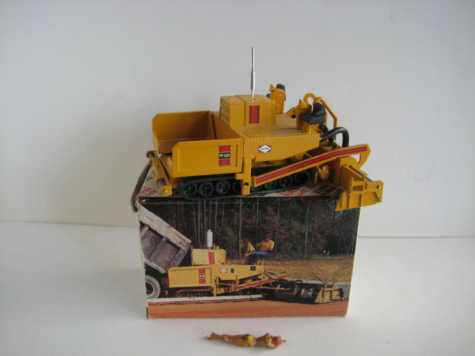 BLAW KNOX PF PF PF 500 finaux à chenilles #290 NZG 1:50 neuf dans sa boîte | Modèles à La Mode  f39143