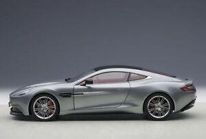 1-18-Autoart-70246-2009-Aston-Martin-Vanquish-Coupe-Skyfall-Plata