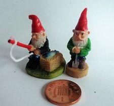 1:12 Pair of Active Gnomes, Dolls House Miniatures. Garden Ornaments ( D1915)