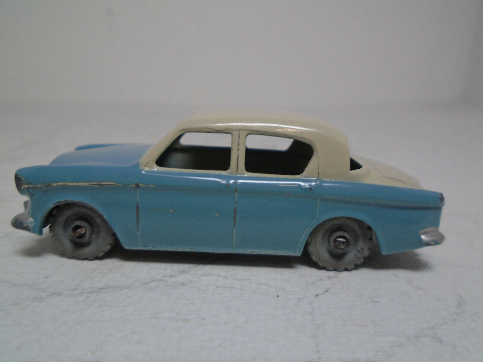 Matchbox Lesney A-2 HILLMAN MINX .ORIGINAL EXCELLENT TO NEAR MINT CONDITION