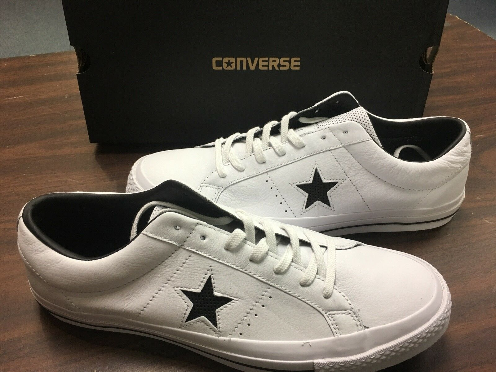 CONVERSE MENS ONE STAR OX WHITE/ BLACK/ WHITE 158464C SIZE 11.5