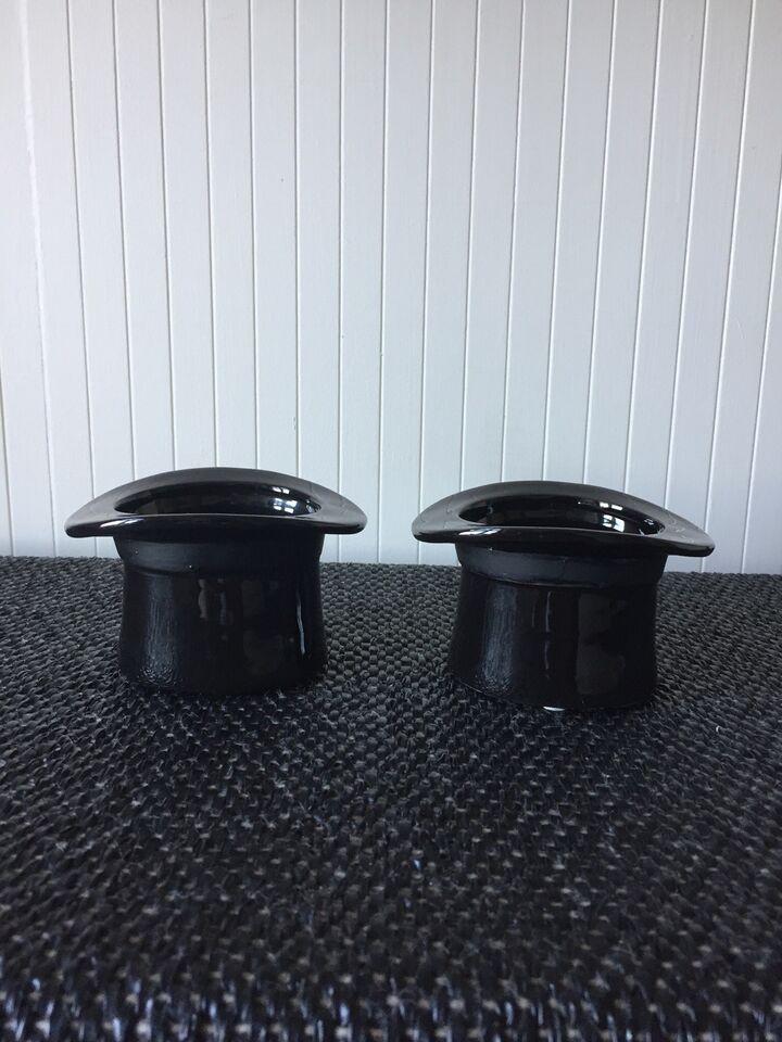 2 stk hatteformet skåle i Porcelæn, Ukendt