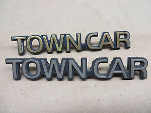 Lincoln Town Car Emblem Ornament Town Car Set Of 2 Gold Ebay