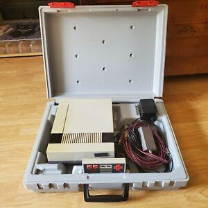 Vintage-Nintendo-NES-Hard-Sided-Travel-Carrying-Case-Z-Bag-1989-w-Rare-Bundle