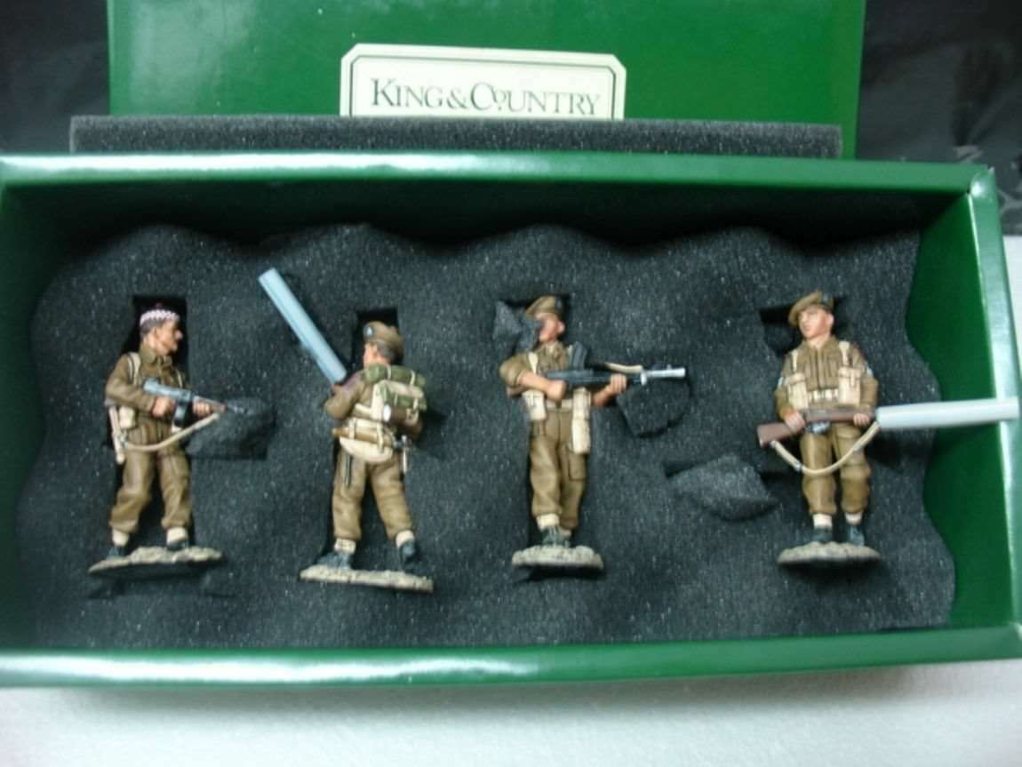 WOW EXTREMELY RARE King & Country EA001 8th Army Scottish 51st Highlanders BNIB