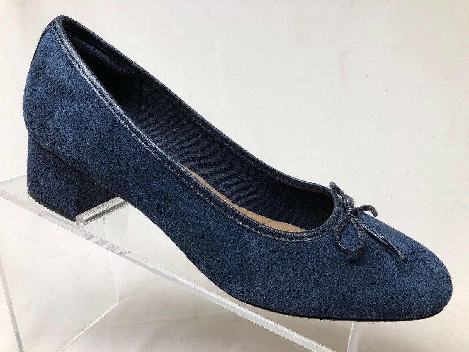 Clarks Women's Navy bluee Suede Leather Heels. Us9.5M uk7D.  NWOB.      Sr1