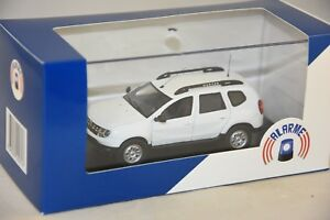 Alarm-11-dacia-duster-white-CRS-relief-mountain-gendarmerie-mobile-1-43