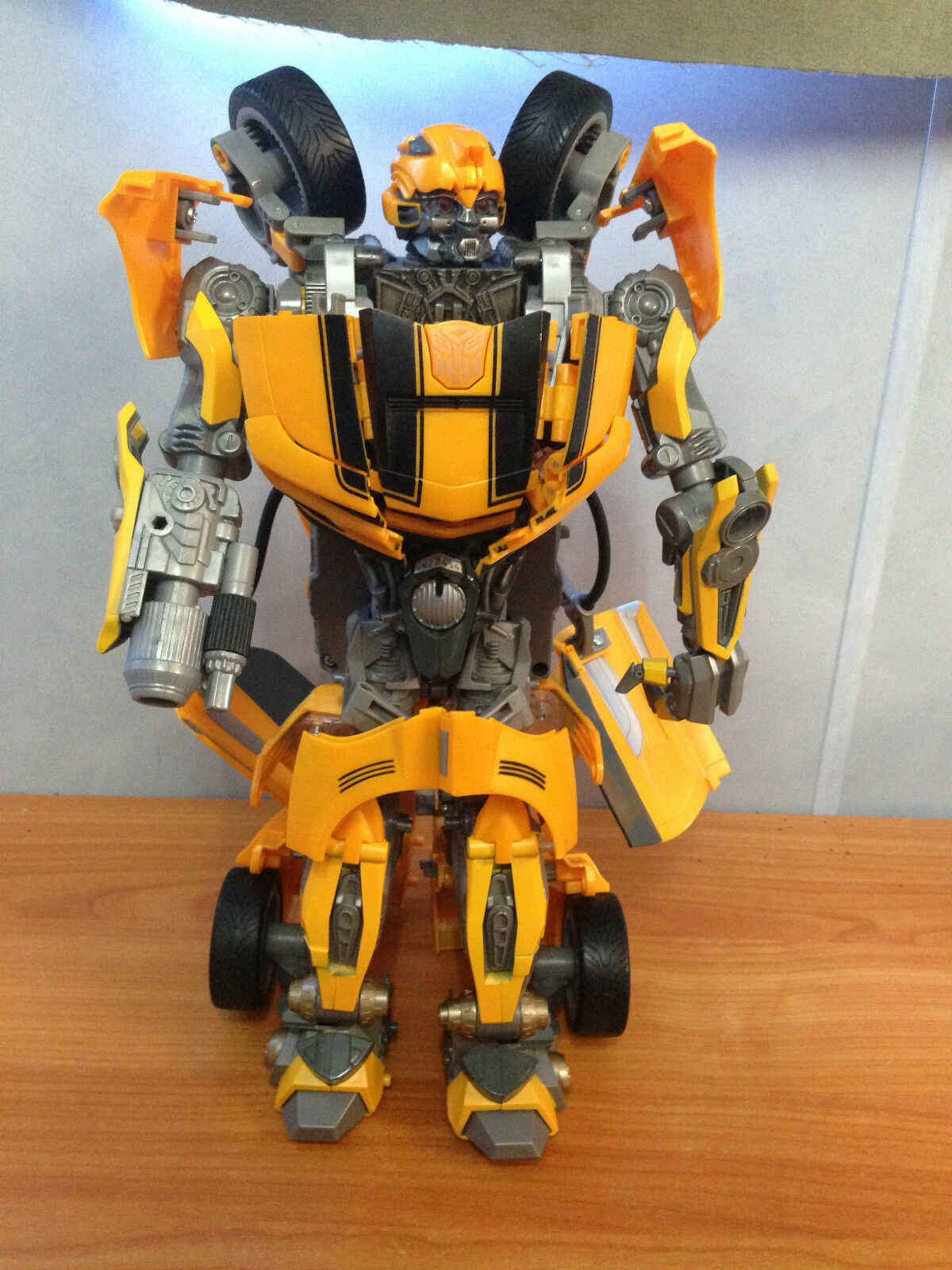 Transformers Ultimate 12 Inch Bumblebee Battle Charged Revenge of the Fallen