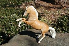 Breyer #33 Glossy Palomino Fighting Stallion, good condition!