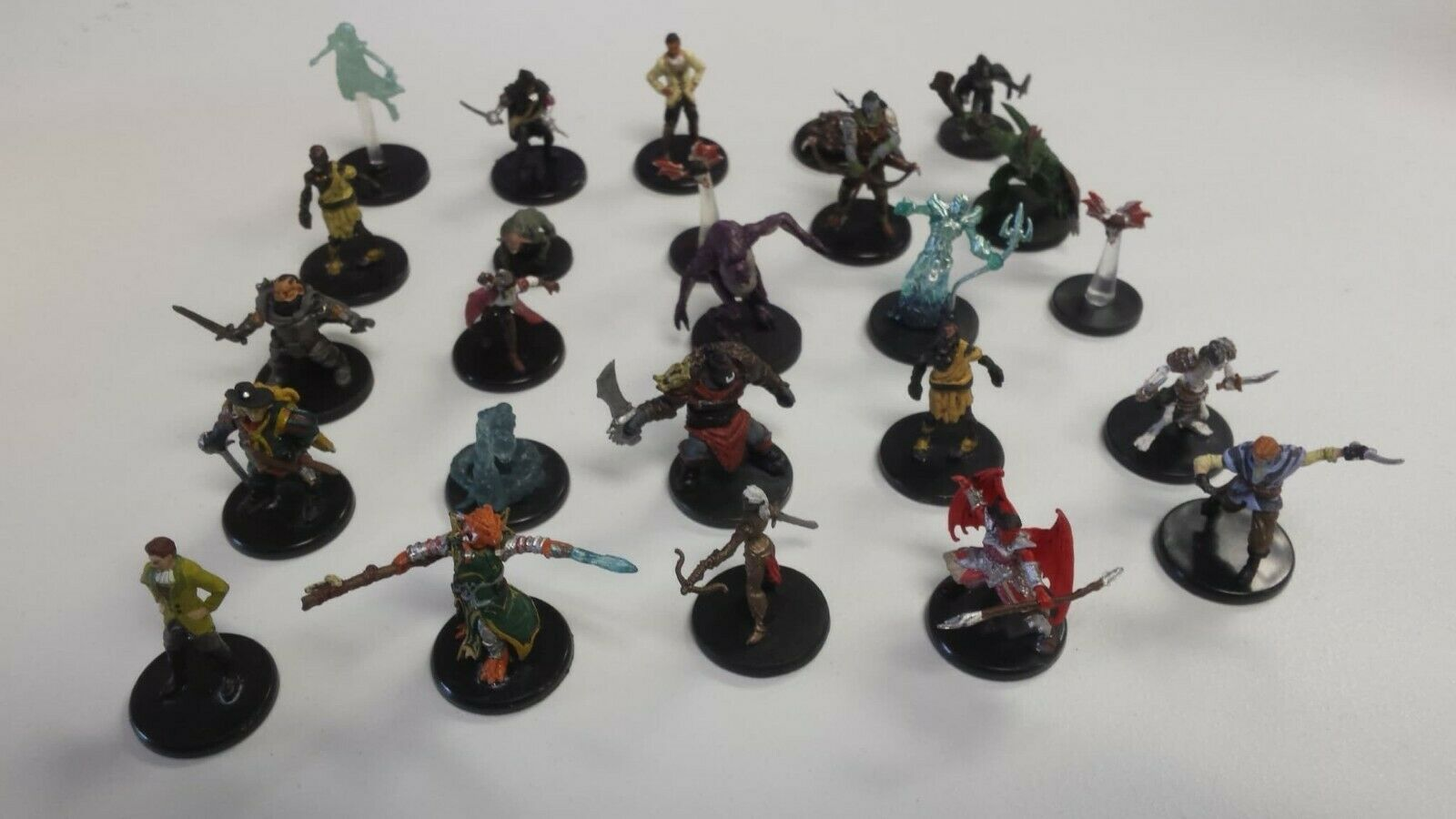 Icons of the Realms Dungeons & Dragons D&D 25 Mini Bulk Lot (no duplicates)