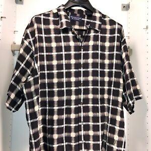 New Roundtree/&Yorke Mens Size XL Travel Smart Blue Plaid Short Sleeve Shirt