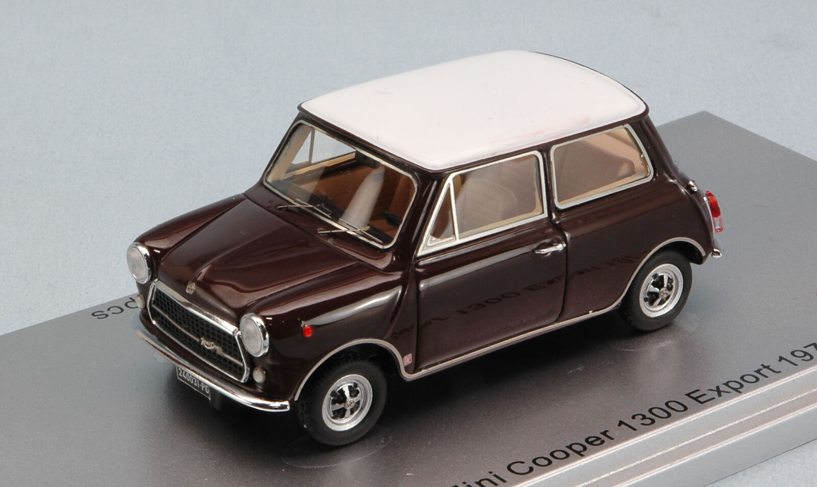 Innocenti Mini Cooper 1300 Export 2018 Castoro 72 1:43 Kess Model KS43012031