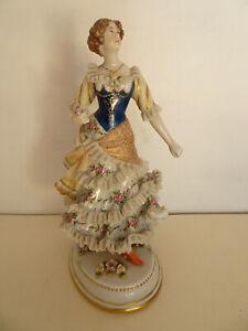 Statuette en porcelaine de Vienne.Autriche.Figurine ancienne.XIX°.