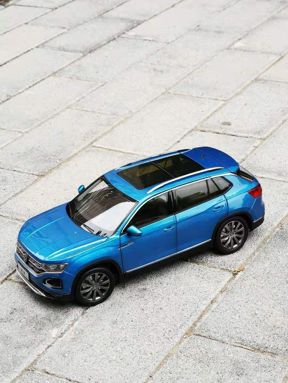 1 18  Volkswagen VW TAYRON blueE color model