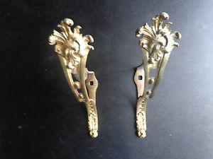Paire-d-039-anciens-supports-de-tringle-a-rideau-en-bronze-dore