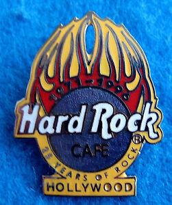 Hollywood-25th-Ans-de-Rock-Hrc-Anniversaire-Boule-Flames-Hard-Rock-Cafe-Broche