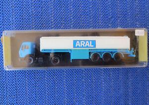 Fuer-H0-Modellbahn-Mercedes-Benz-ARAL-Tanklastwagen-von-Kibri