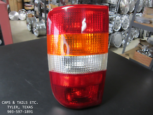 1995-2005-Chevy-Blazer-S10-Taillight-Export-Driver-Side-LH-GM-1514313-NOS