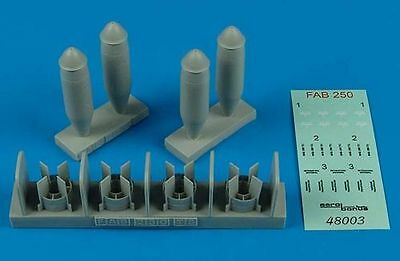 Model Kit Edu648377 1:48 Eduard Brassin FAB 250 soviétique WW2 bombes Set