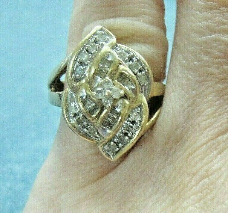 LQQK Stunning Vntg 3 4 tcw DIAMOND CLUSTER 10K solid yellow gold RING size 7