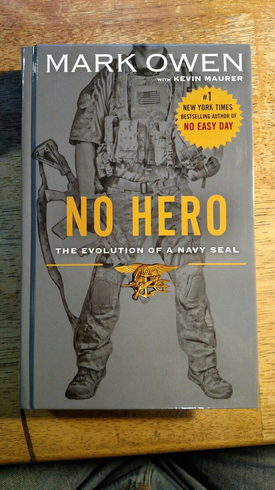 No Hero : The Evolution of a Navy SEAL by Mark Owen and Kevin Maurer (2014,  Hardcover, Large Type)