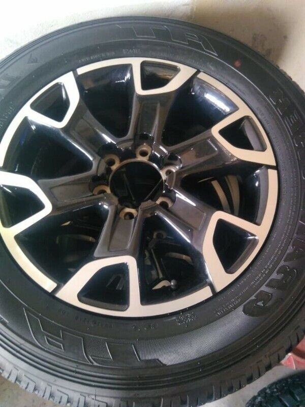 "18"" Toyota Legend 50 mag with brand new 265/60/18 Dunlop Grandtrek AT to use for spare R3650."