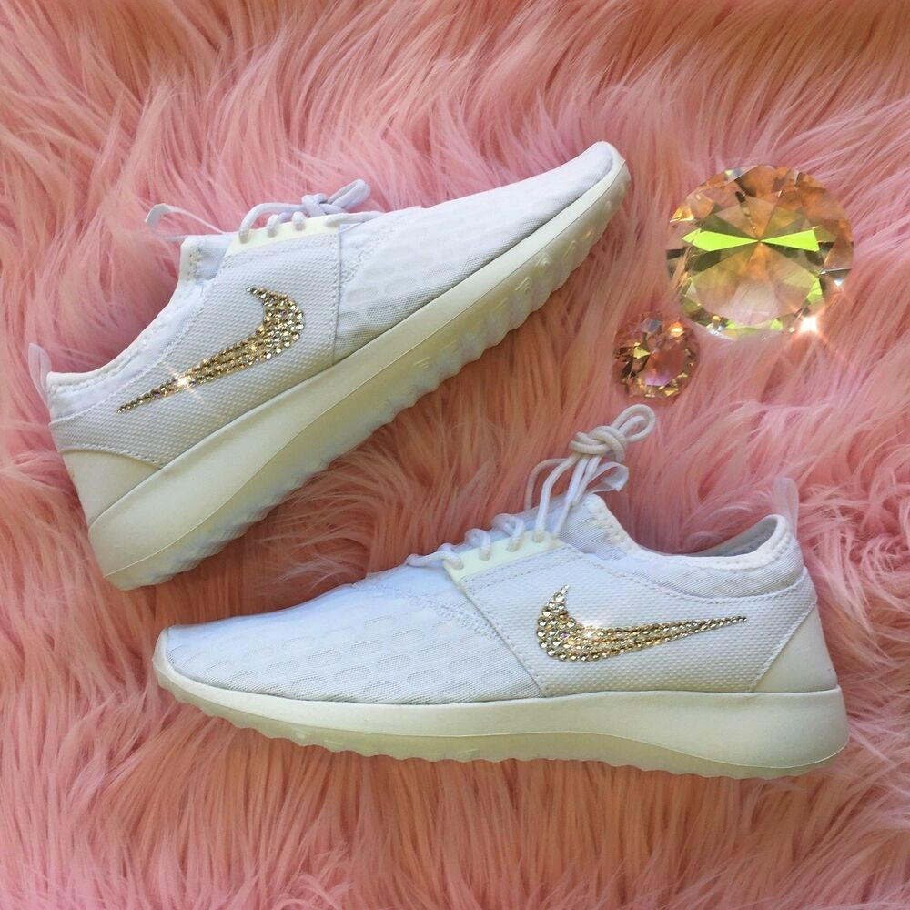 Bling Nike Juvenate Chaussures w/ Swarovski Crystals ALL BLANC w/ Bedazzled Swooshes Chaussures de sport pour hommes et femmes