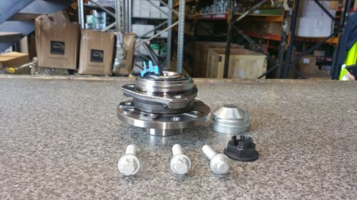 VAUXHALL ASTRA H Mk 5 04-08  TWO FRONT WHEEL BEARING HUB KITS  5 STUD WITH ABS