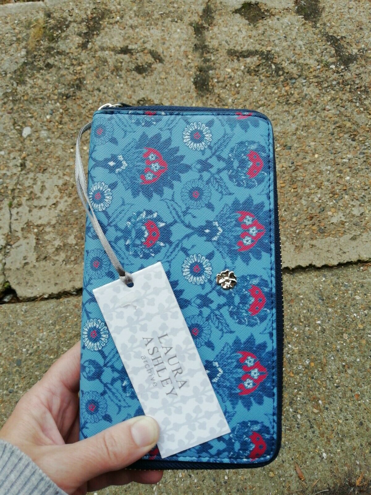 Laura Ashley Archive Blue Zip Wallet Purse Floral Print. Unused, Ideal Gift