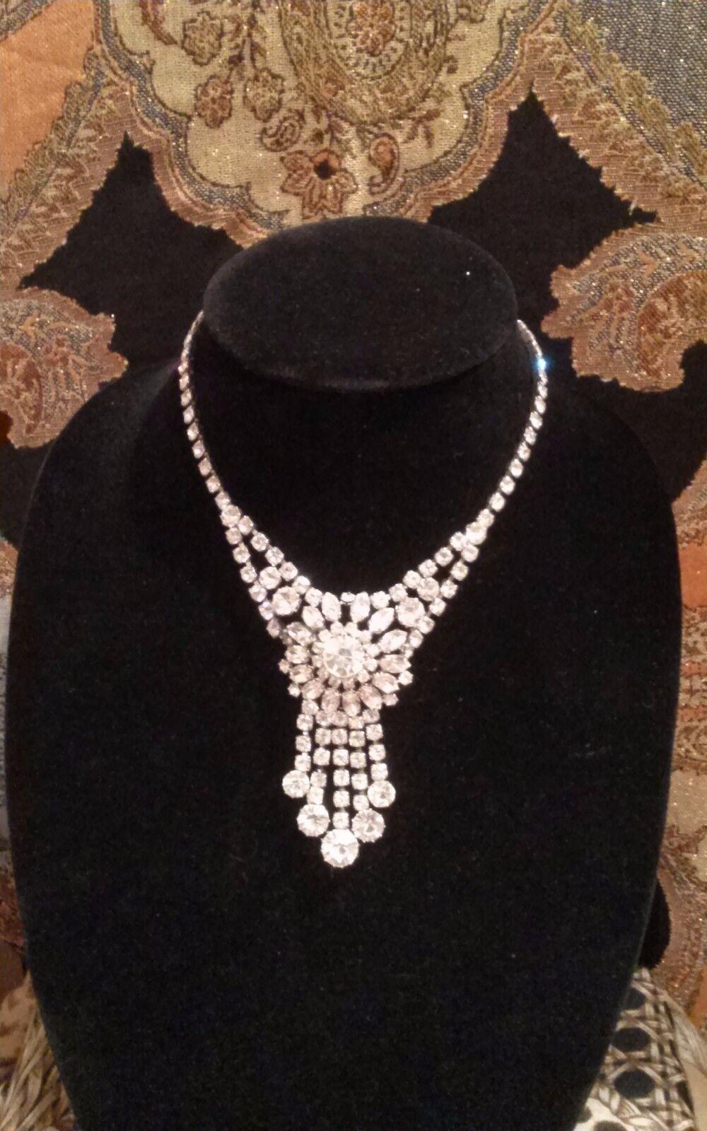 Elizabeth Hurley silver tone vintage crystal neck… - image 4