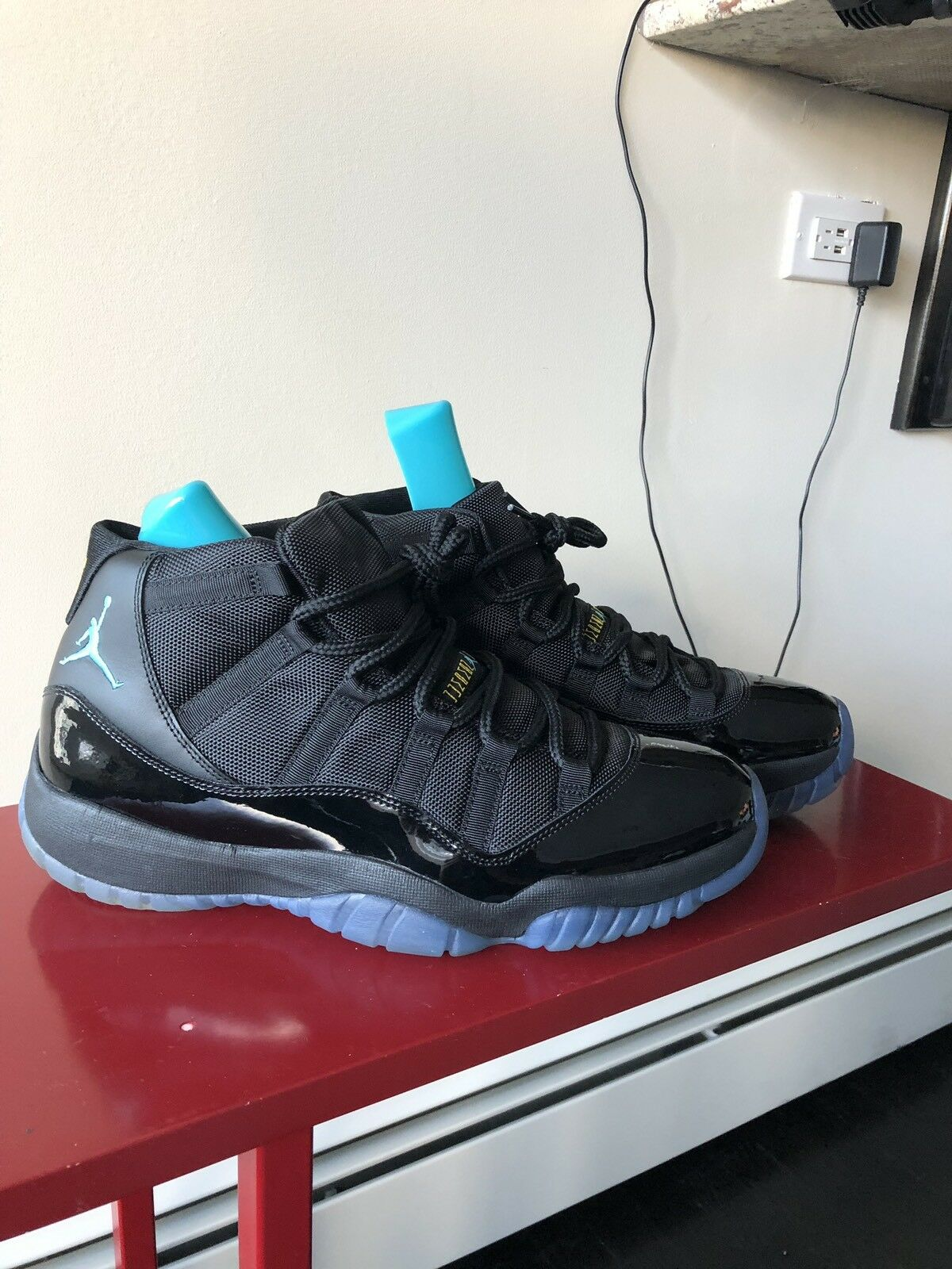 Nike Mens Air Jordan 11 Retro Black Gamma bluee Size 12
