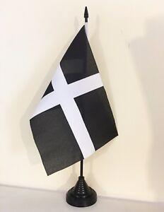 CORNWALL KERNOW 9X6 inch 22.5cm x 15cm TABLE FLAG TWIN SET WOODEN BASE CORNISH