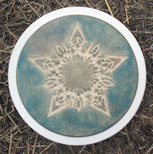 Plaster-concrete-Celtic-star-stepping-stone-plastic-mold-12-034-x-1-5-034-thick