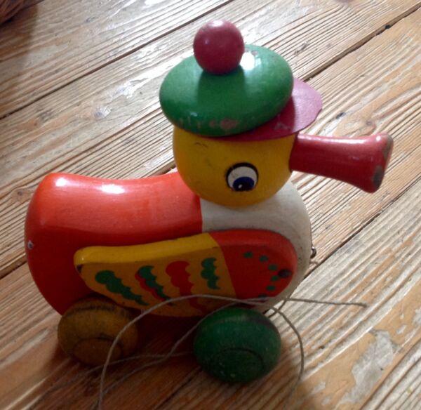 Altes Holzspielzeug, Ente Zum Ziehen, Flügel Und Kopf Beweglich 5. Harmonische Farben