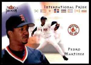 2002-FLEER-PREMIUM-INTERNATIONAL-PRIDE-PEDRO-MARTINEZ-BOSTON-RED-SOX-12-OF-15