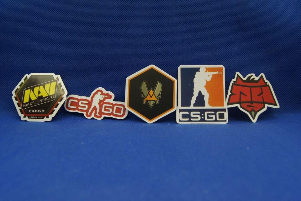 Klistermærker, Spil: CS-GO