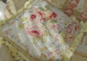 1-3-039-Elegant-Needlepoint-Pillow-VTG-French-Country-Chic-Shabby-Fine-Cottage-Decor