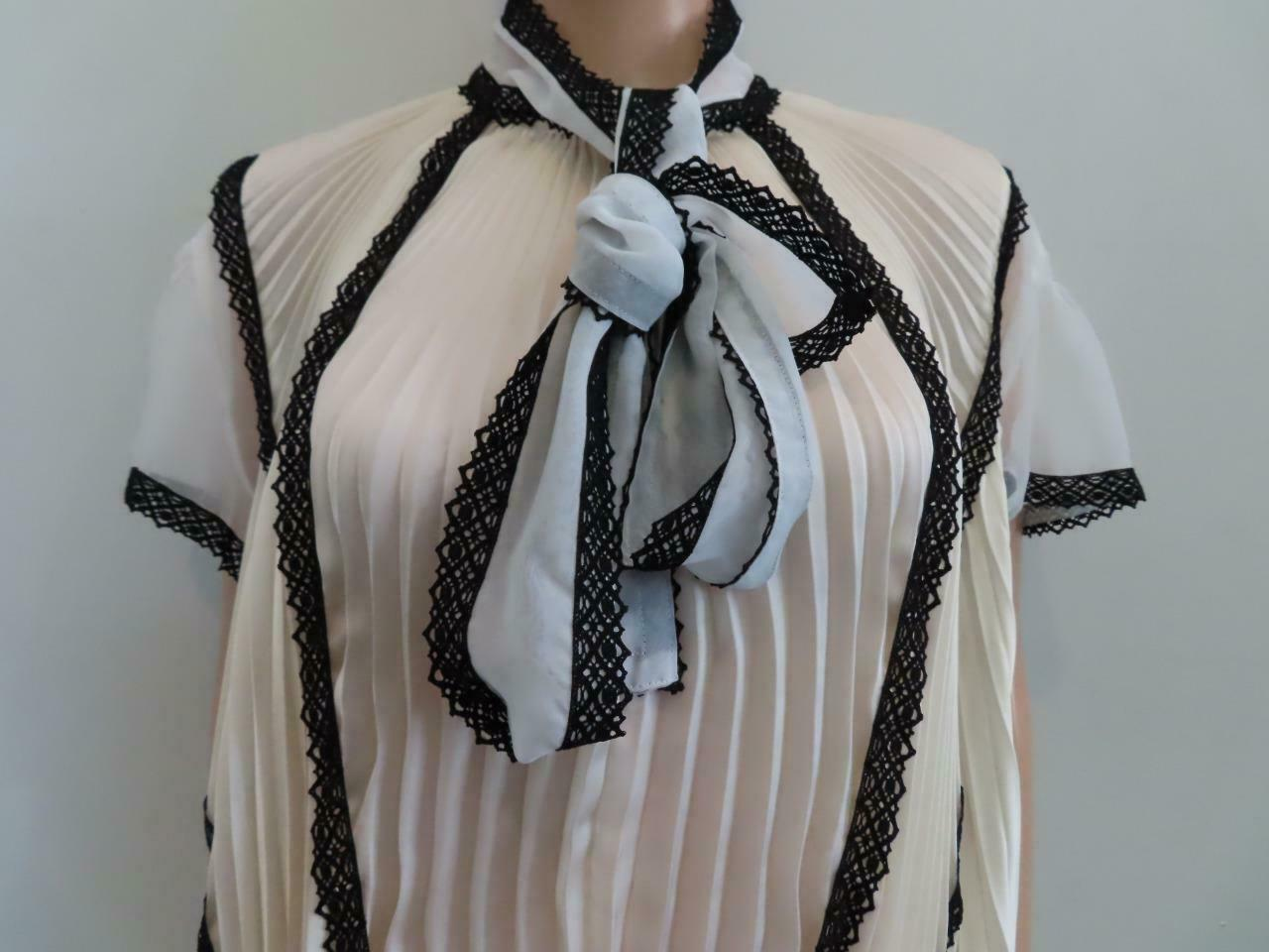 Sacai Ivory/Black Lace Pleated Front Button Short… - image 3