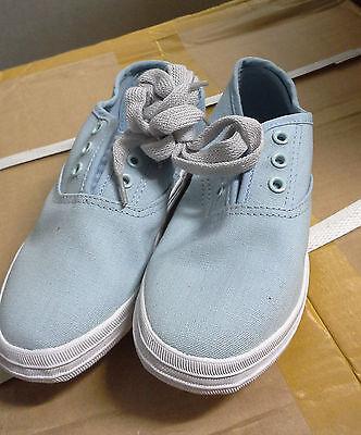 Girls Small Canvas Shoes Light Blue size AUS 1/ EUR 33/ USA 2 / UK 1 / JPN 21.5
