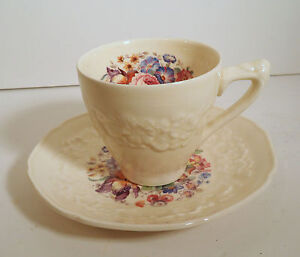 CROWN-DUCAL-ENGLAND-CHINA-034-GAINSBOROUGH-034-FLORAL-BOUQUET-DEMITASSE-CUP-amp-SAUCER