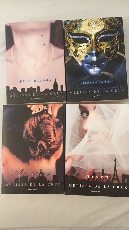 Blue Bloods series, Melissa De La. Cruz, Bogsamling