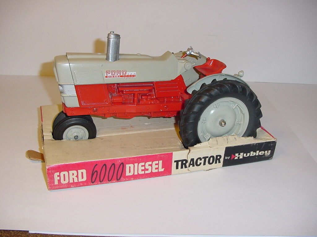 1 12 Vintage Ford 6000 Diesel Tractor by Hubley W Box