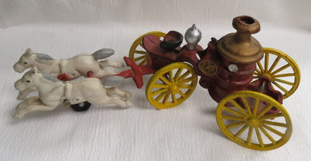 annata ANTIQUE CAST IRON cavallo DRAWN FIRE Ssquadra PUMPER autoRIAGE giocattolo