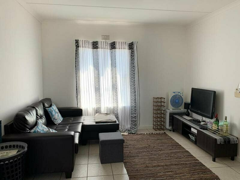Lovely 2 Bedroom Apartment in Muizenberg
