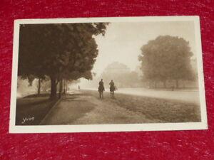 Yvon-Paris-Strolling-Cavaliers-Wood-Boulogne-1919-Helio-2e-Series-36-CPA